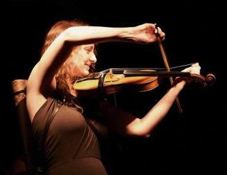 Jess Randall (NSW, crooked fiddle)